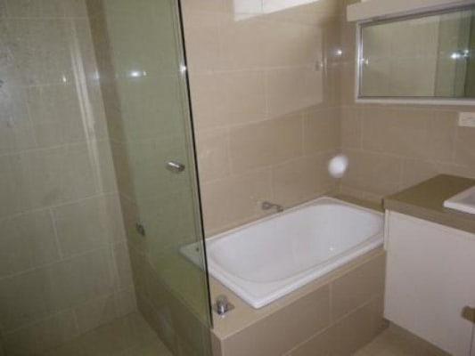 $180, Flatshare, 3 bathrooms, Clarence Street, Elsternwick VIC 3185