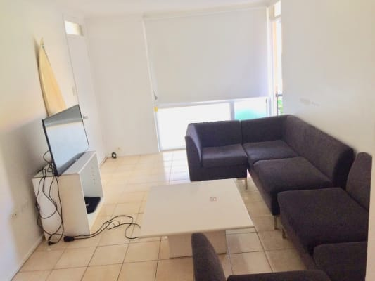 $135, Flatshare, 2 bathrooms, Peninsular Drive, Surfers Paradise QLD 4217