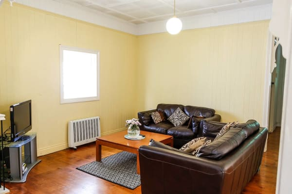 $165, Share-house, 3 bathrooms, Miskin Street, Toowong QLD 4066