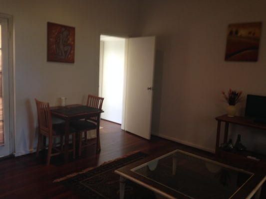 $295, Flatshare, 2 bathrooms, Colin Grove, West Perth WA 6005