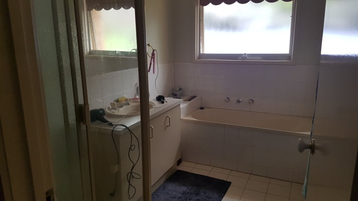 $180, Share-house, 3 bathrooms, Rolaine Cl, Lilydale VIC 3140