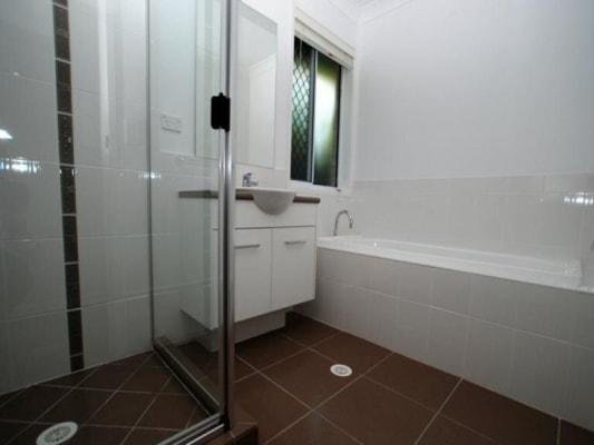 $190, Share-house, 4 bathrooms, Cowie Road, Carseldine QLD 4034