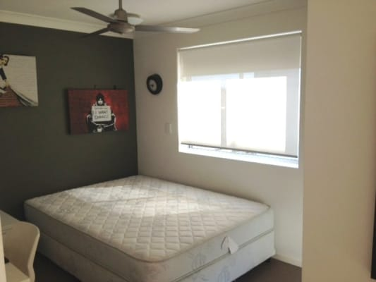 $295, Flatshare, 4 bathrooms, Phillip Street, Labrador QLD 4215