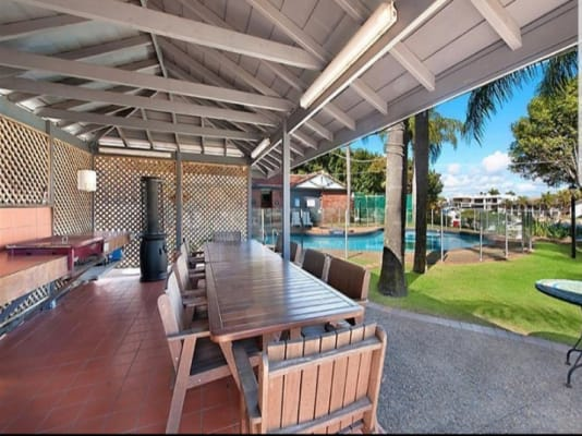 $350, Flatshare, 3 bathrooms, Commodore Drive, Surfers Paradise QLD 4217