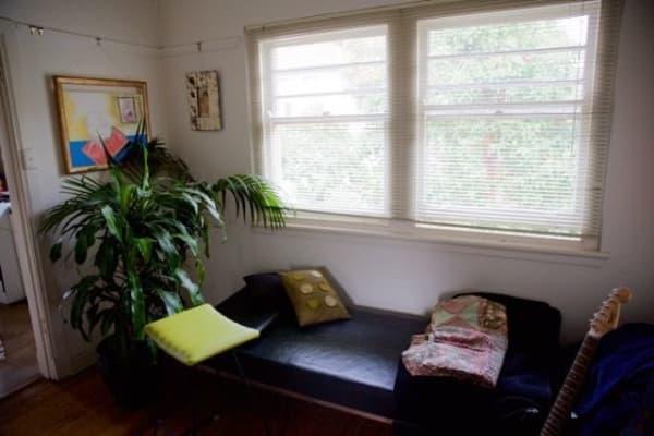 $200, Flatshare, 3 bathrooms, Glen Huntly Rd, Elsternwick VIC 3185