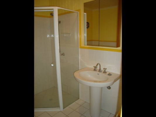 $210, Granny-flat, 1 bathroom, York Street, Wilston QLD 4051