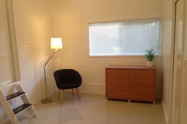 $450, 1-bed, 1 bathroom, New Mount Pleasant Road, Mount Pleasant NSW 2519