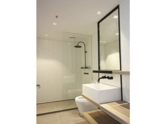 $285, Flatshare, 2 bathrooms, La Trobe Street, Docklands VIC 3008