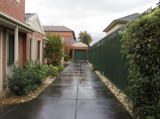 $250, Share-house, 2 bathrooms, Hudson Street, Caulfield North VIC 3161