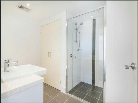 $155-290, Flatshare, 2 rooms, Logan Road, Woolloongabba QLD 4102, Logan Road, Woolloongabba QLD 4102