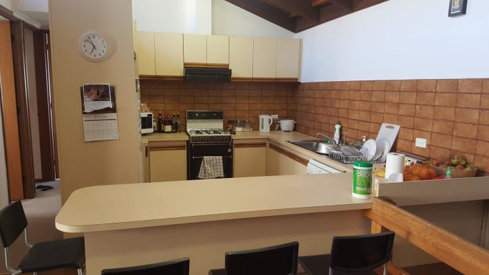 $675, Whole-property, 3 bathrooms, Barkly Street, Carlton VIC 3053
