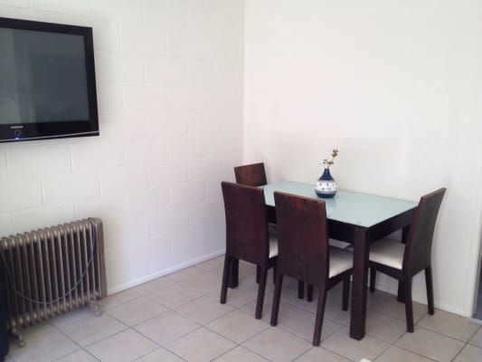 $145, Flatshare, 2 bathrooms, Peninsular Drive, Surfers Paradise QLD 4217