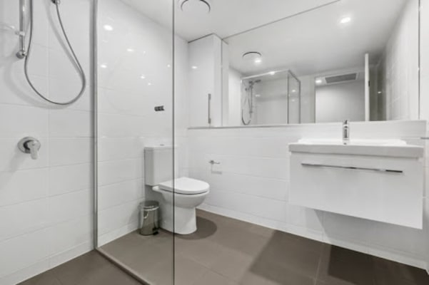$300, Flatshare, 2 bathrooms, Anderson Street, Kangaroo Point QLD 4169