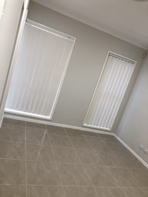 $425, Whole-property, 3 bathrooms, Kingsbury Road, Edmondson Park NSW 2174
