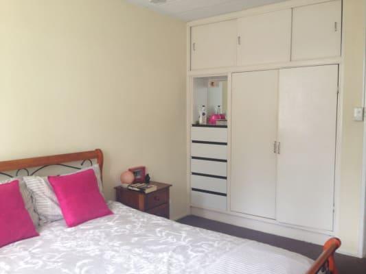 $180, Flatshare, 2 bathrooms, The Esplanade, Burleigh Heads QLD 4220