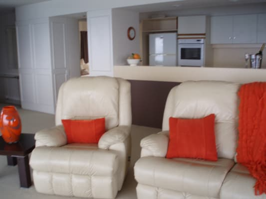$350, Flatshare, 4 bathrooms, Esplanade, Burleigh Heads QLD 4220