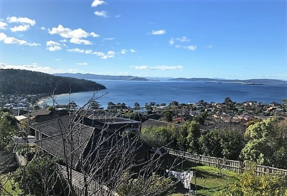 $185, Share-house, 3 bathrooms, Jindabyne Road, Kingston Beach TAS 7050
