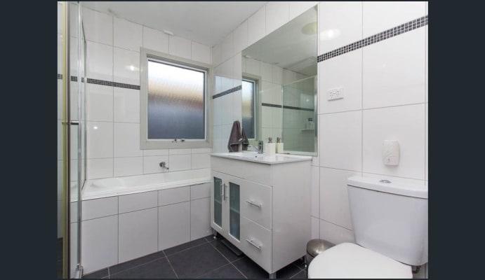 $280, Homestay, 3 bathrooms, Tralea Place, Frankston VIC 3199