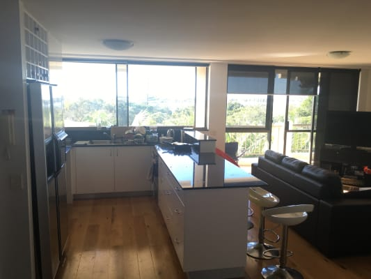 $140, Flatshare, 2 bathrooms, Marine Parade, Southport QLD 4215