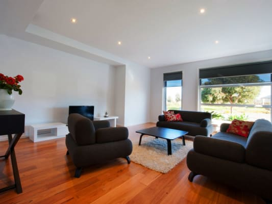 $200, Share-house, 3 bathrooms, Baltimore Dr., Point Cook VIC 3030
