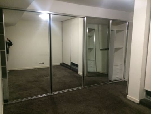 $400, Flatshare, 3 bathrooms, Bathurst Street, Sydney NSW 2000