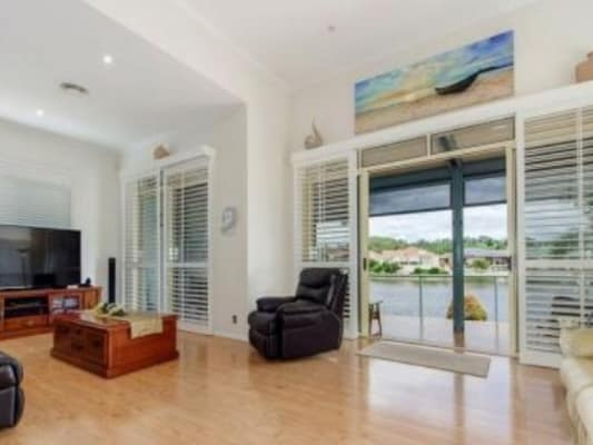 $185, Share-house, 4 bathrooms, Beachcomber , Burleigh Heads QLD 4220