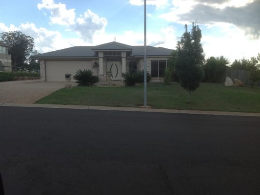 $180, Share-house, 4 bathrooms, Berghoffer Drive, Highfields QLD 4352
