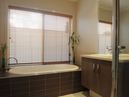 $200, Share-house, 4 bathrooms, Black Wallaby Drive, Langwarrin VIC 3910