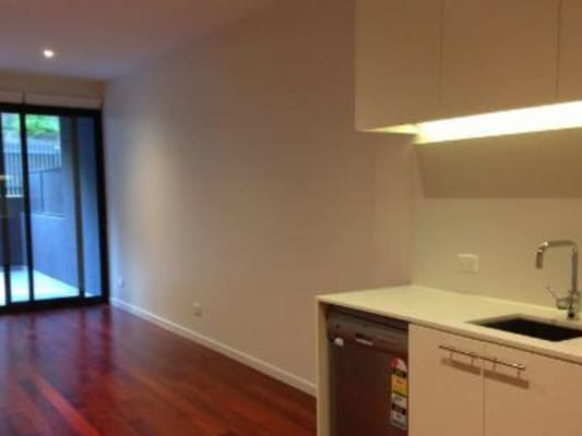$230, Flatshare, 2 bathrooms, Blackburn Road, Notting Hill VIC 3168