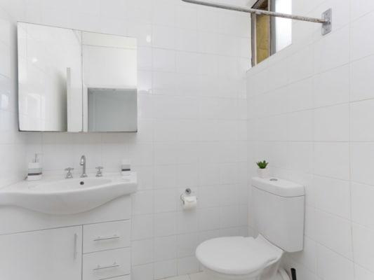 $300, Share-house, 5 bathrooms, Bourke Street, Darlinghurst NSW 2010