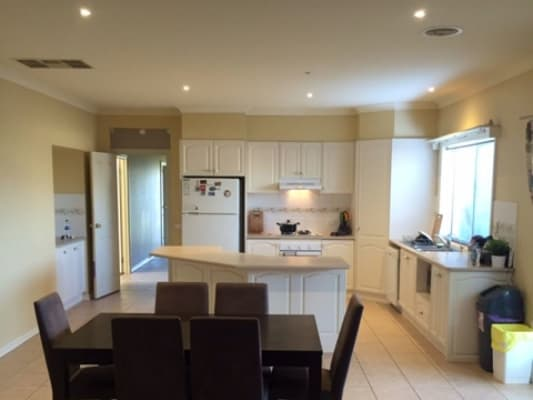 $180, Share-house, 3 bathrooms, Bouverie Place, Skye VIC 3977