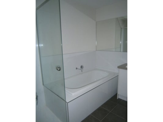 $200, Share-house, 2 bathrooms, Burwood Highway, Burwood VIC 3125