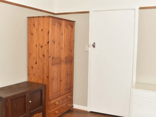 $135, Share-house, 4 bathrooms, Charlton Cres, Reservoir VIC 3073