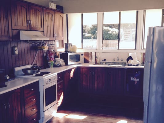 $160, Share-house, 3 bathrooms, Chatham St, Margate QLD 4019