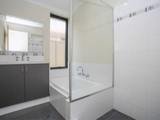 $160, Share-house, 3 bathrooms, Coojong Link, Success WA 6164
