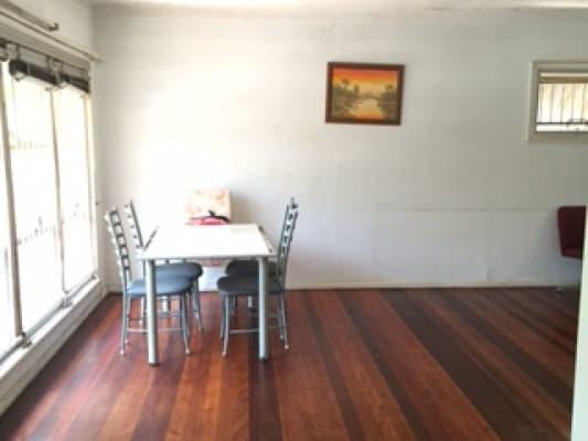 $210, Share-house, 5 bathrooms, Dell Rd, Saint Lucia QLD 4067