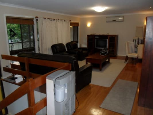 $220, Share-house, 4 bathrooms, Dunstable Street, MacGregor QLD 4109