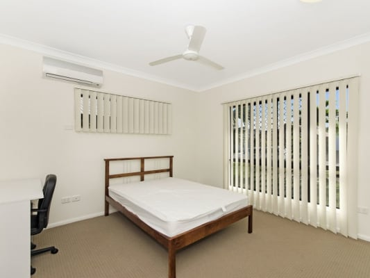 $165, Share-house, 5 bathrooms, Estuary Parade, Douglas QLD 4354