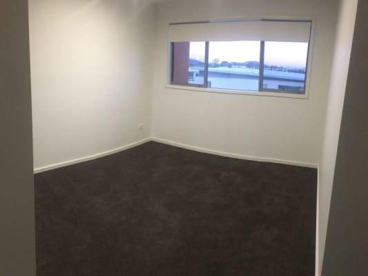 $250, Flatshare, 3 bathrooms, Flemington Road, Harrison ACT 2914