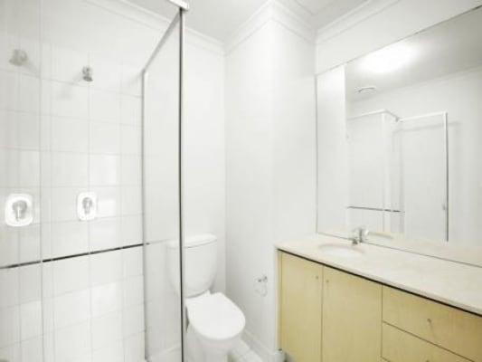 $170, Flatshare, 2 bathrooms, Flinders Lane, Melbourne VIC 3000