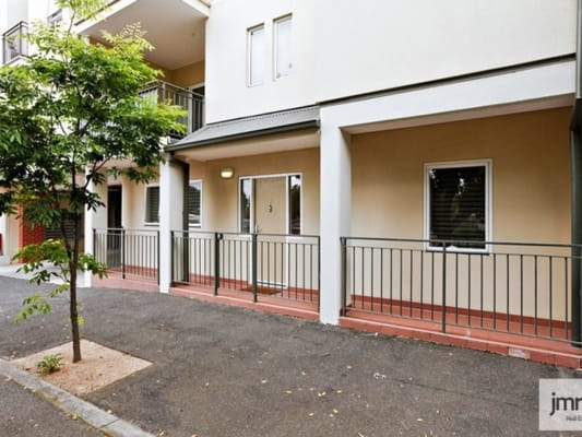 $200, Flatshare, 2 bathrooms, Gatehouse Dr , Kensington VIC 3031