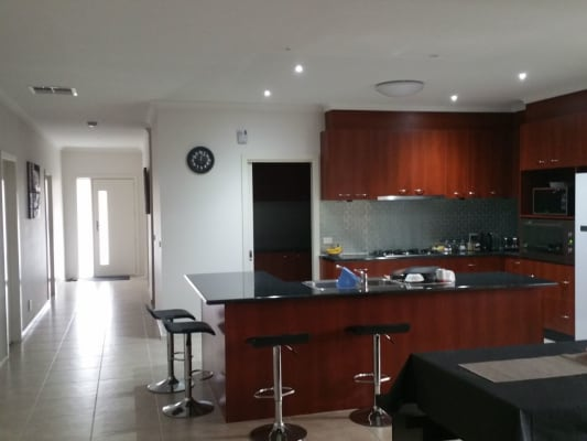 $180, Share-house, 5 bathrooms, Timbarra Crt, Craigieburn VIC 3064