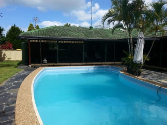 $220, Share-house, 4 bathrooms, Hillview Parade, Ashmore QLD 4214