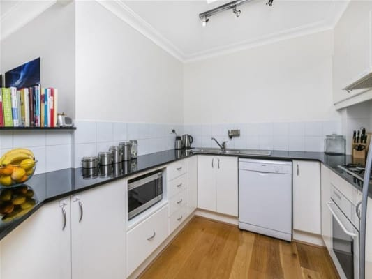 $400, Flatshare, 2 bathrooms, Howard Avenue, Dee Why NSW 2099