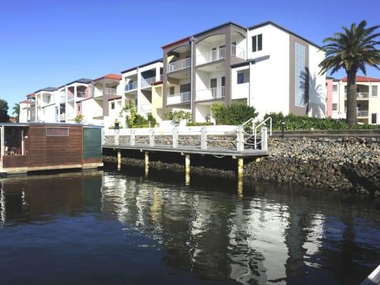 $190, Share-house, 3 bathrooms, John Lund Drive, Hope Island QLD 4212