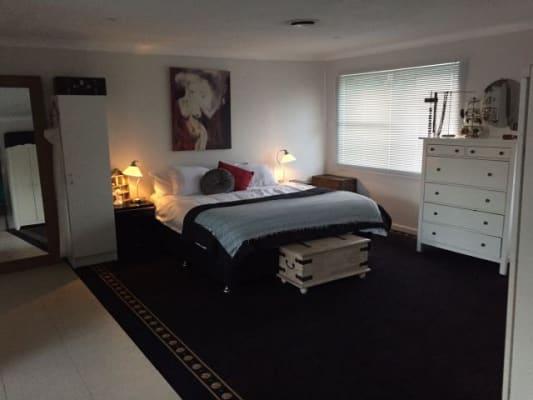 $290, Share-house, 3 bathrooms, Kildare Grove, Killarney Heights NSW 2087