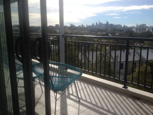 $330, Flatshare, 3 bathrooms, King Street, Newtown NSW 2042