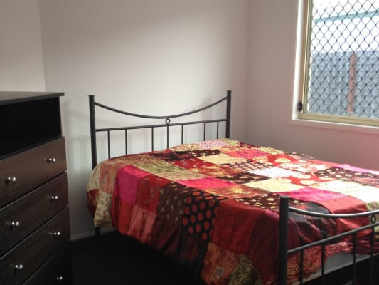 $180, Share-house, 3 bathrooms, Kowhai Pl, Nerang QLD 4211
