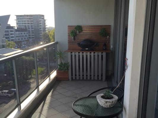 $250, Flatshare, 2 bathrooms, Lachlan St, Waterloo NSW 2017