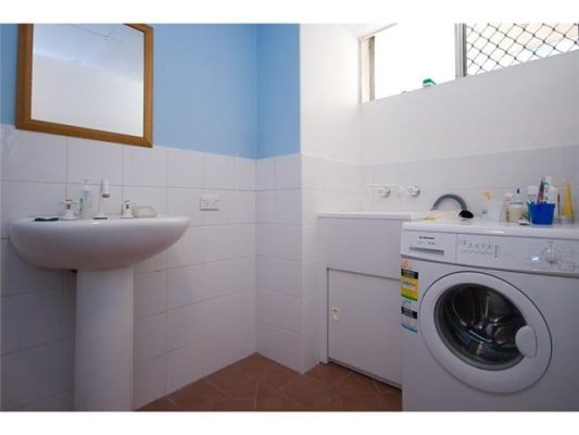 $220, Flatshare, 3 bathrooms, Leonard Ave, Surfers Paradise QLD 4217